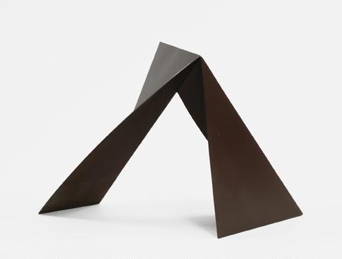 "Eliptical Rectangle, 2005, steel, 15.25"" x 24.5"" x 10"""