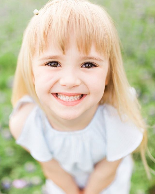 Happy Saturday night from this sweet ray of sunshine. ☀️ What's in your agenda? I'm going to finish painting a room while I watch the new season of Great British Bake Off. 🍰 . . . . . . . . . . . . . . . . #childphotoshoot #familyphotographers #georgiaphotographer #georgiaphotography #familyphotosession #familyphotoshoot #evansga #augustaphotographer #southcarolinaphotographer #southcarolinaphotography #evansgeorgiaphotographer #georgiacreatives #utahphotographer #lookslikefilmkids #mastinlabs #portraitsofinstagram