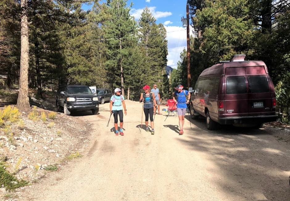 Setting off from Alpine aid station (PC Ilana Jesse)