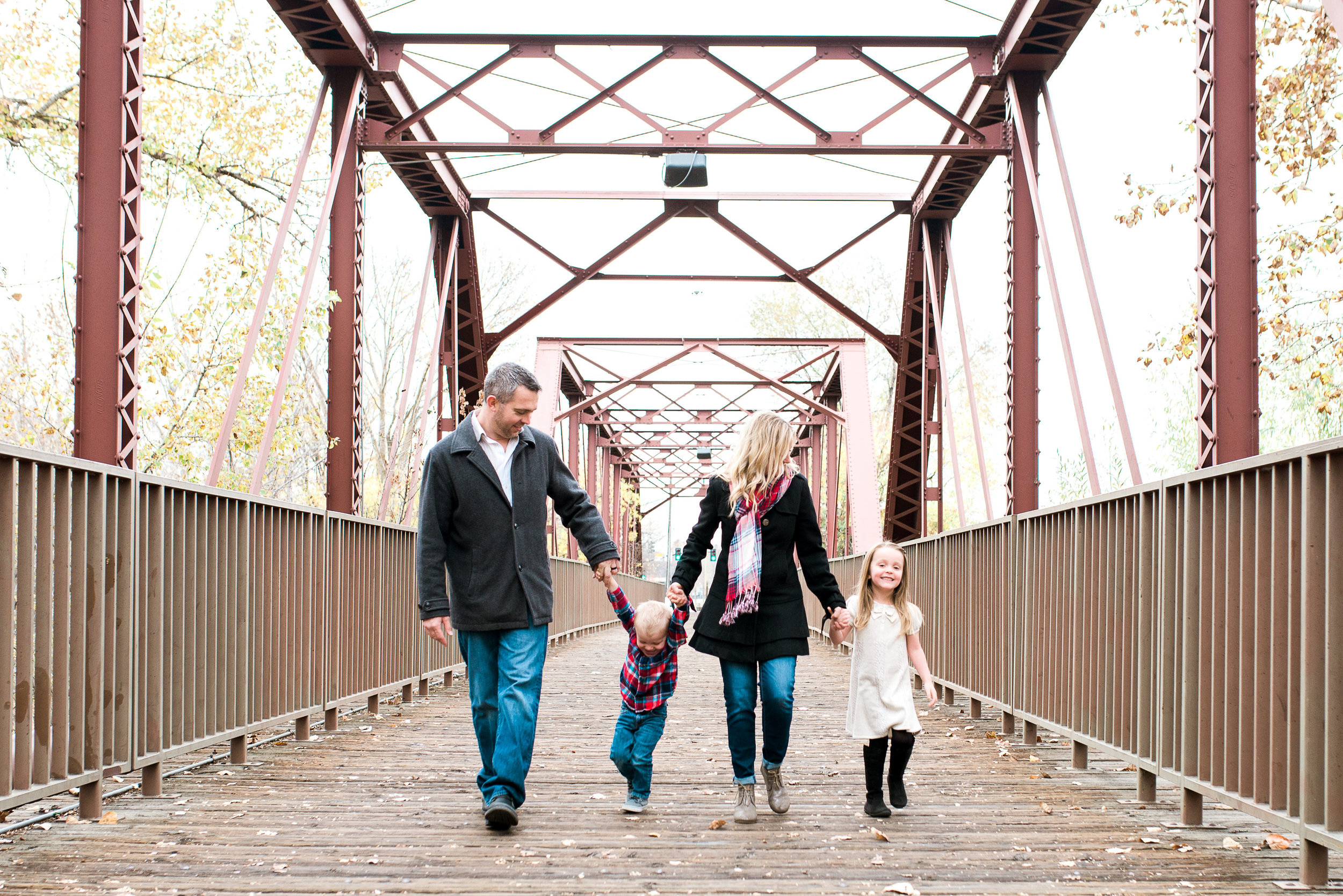 boise-id-family-photographer-family-on-bridge.jpg