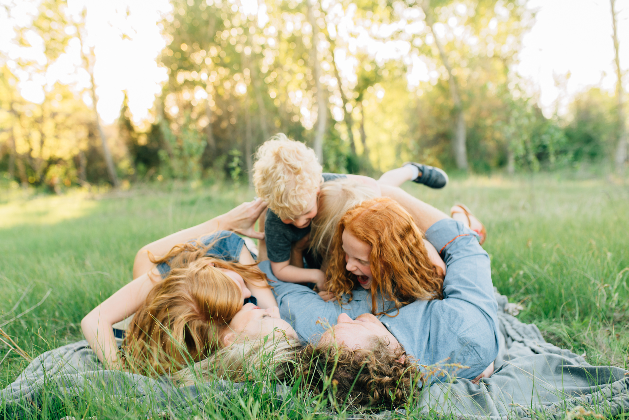 boise family lifestyle session| barber park | boise family photographer | lifestyle photography