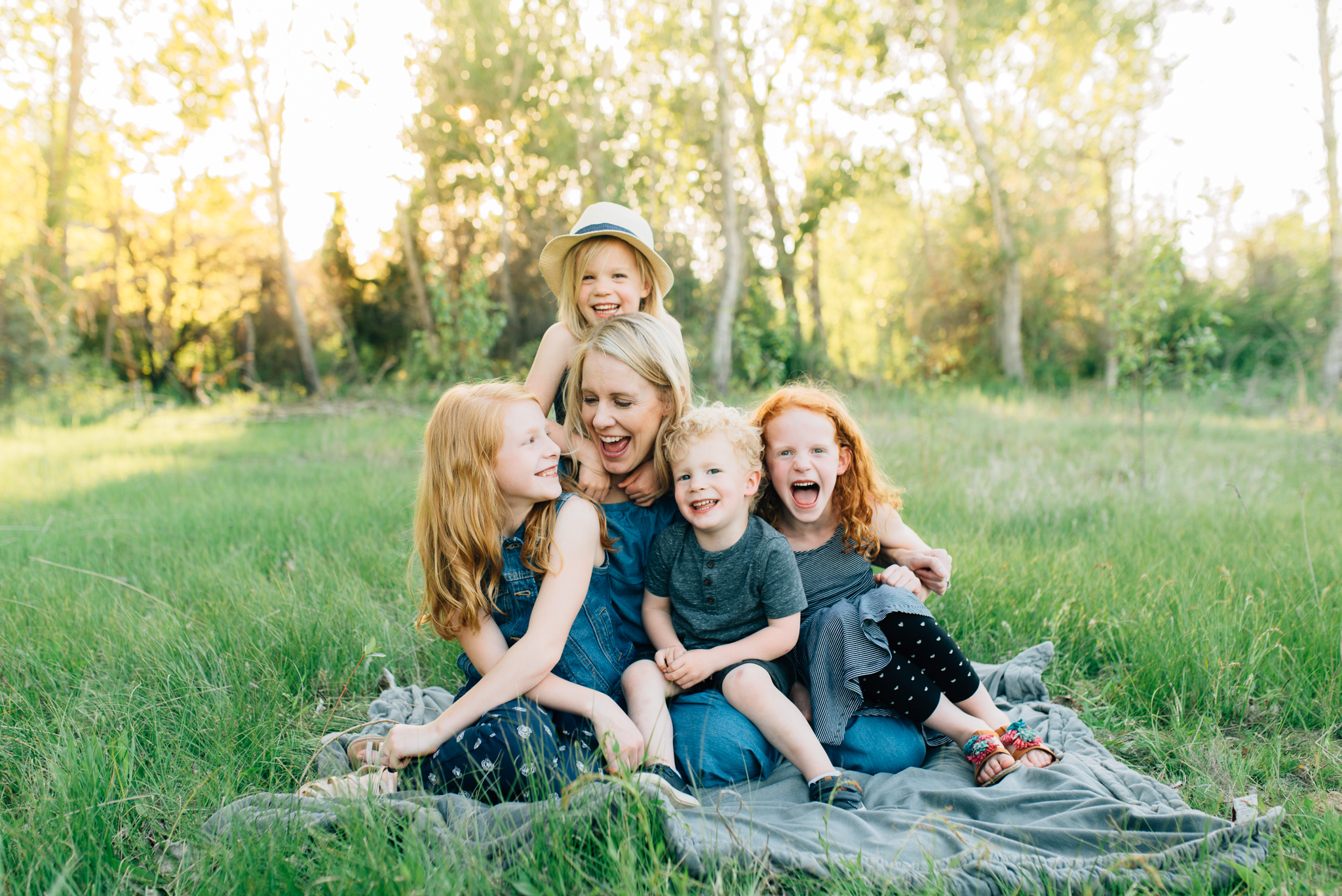 boise family lifestyle session| barber park | boise family photographer | mom and her kids