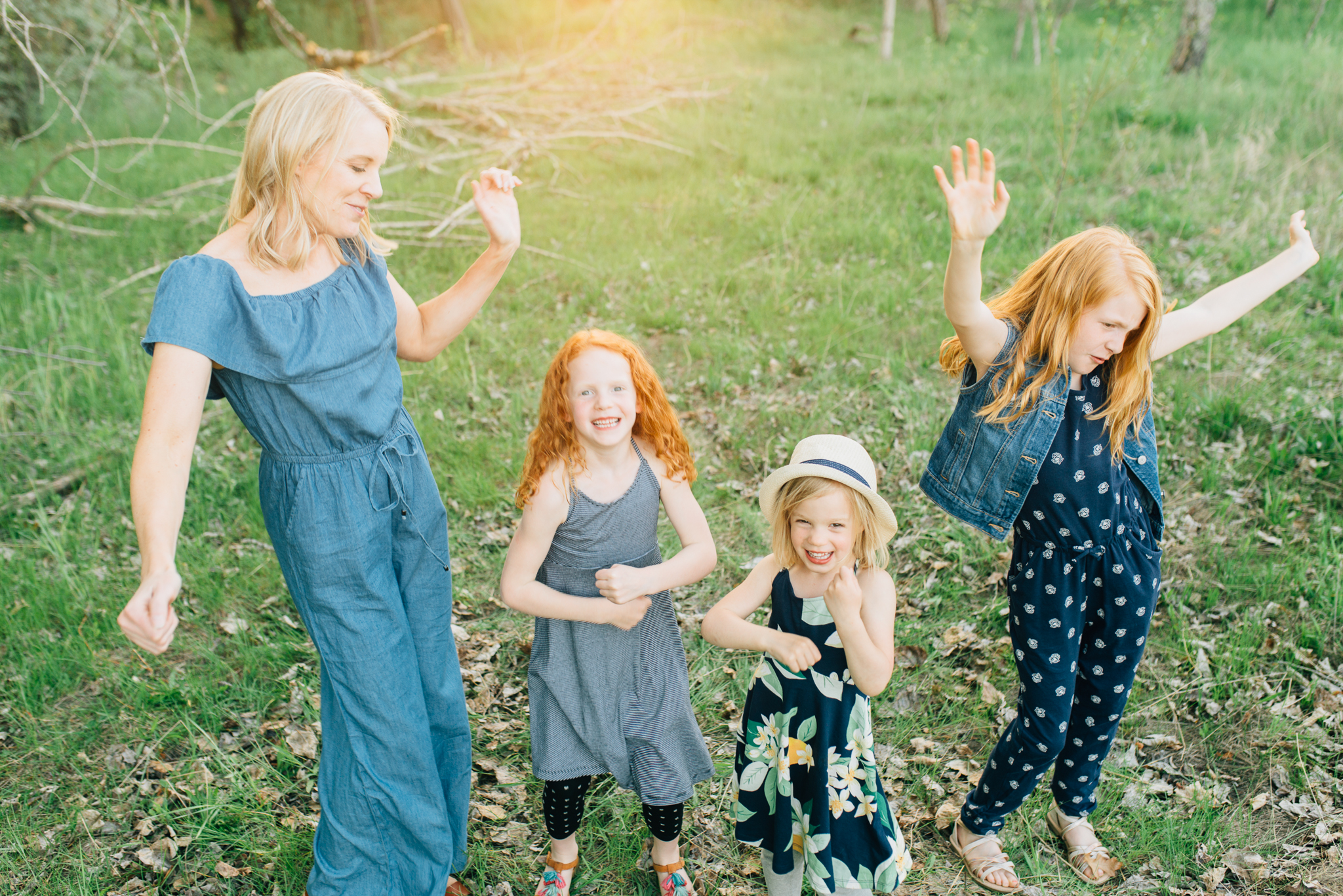boise family lifestyle session| barber park | boise family photographer | dancing with mom