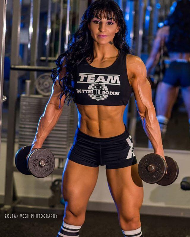 @alexa_gumse_ifbb #gymshoot #stockholm #zoltanveghphotography #bodyfitness #betterbodieschallenge2019 #betterbodieschallenge #girlswholift