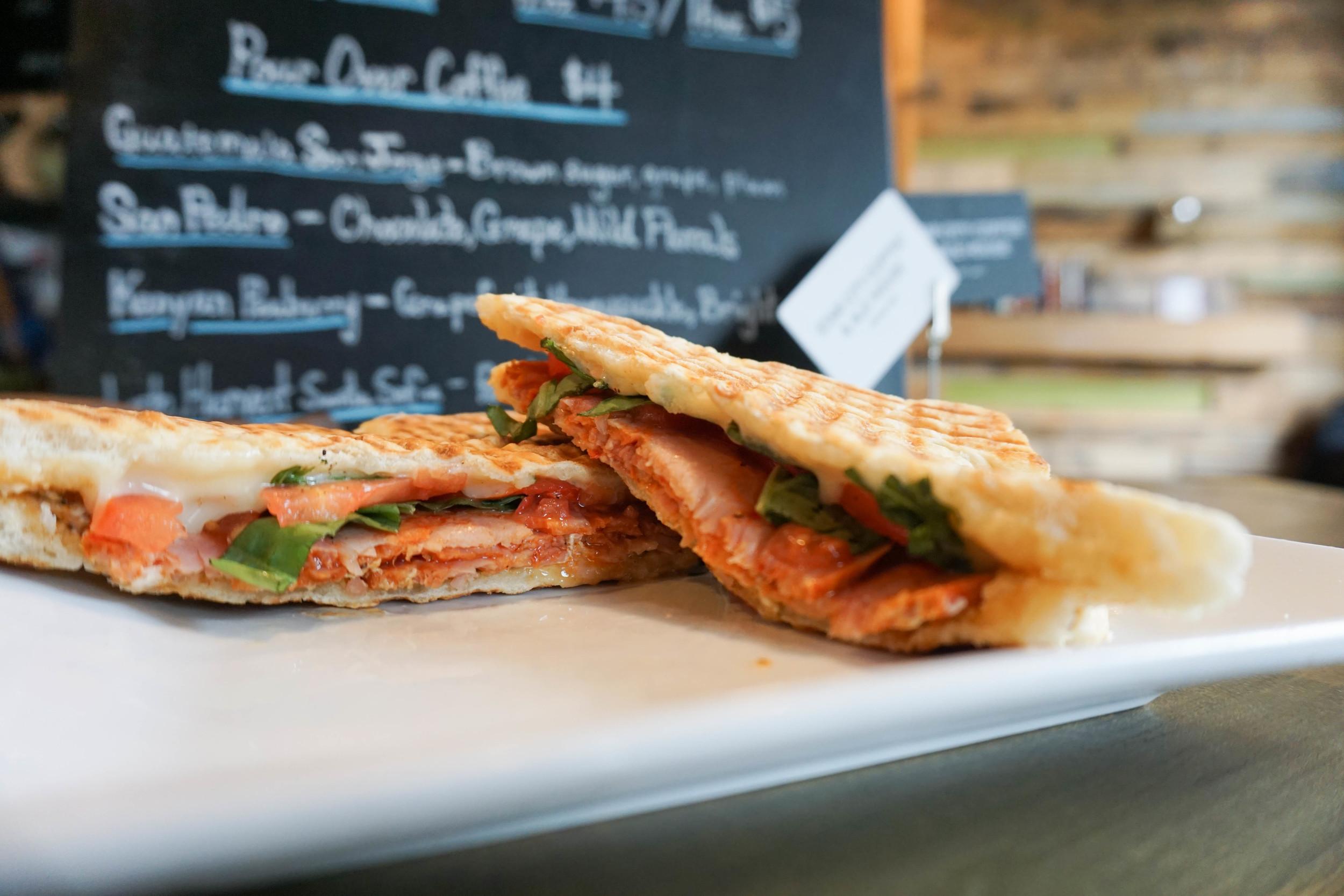 "<alt =""Lafayette panini press sandwich"">"
