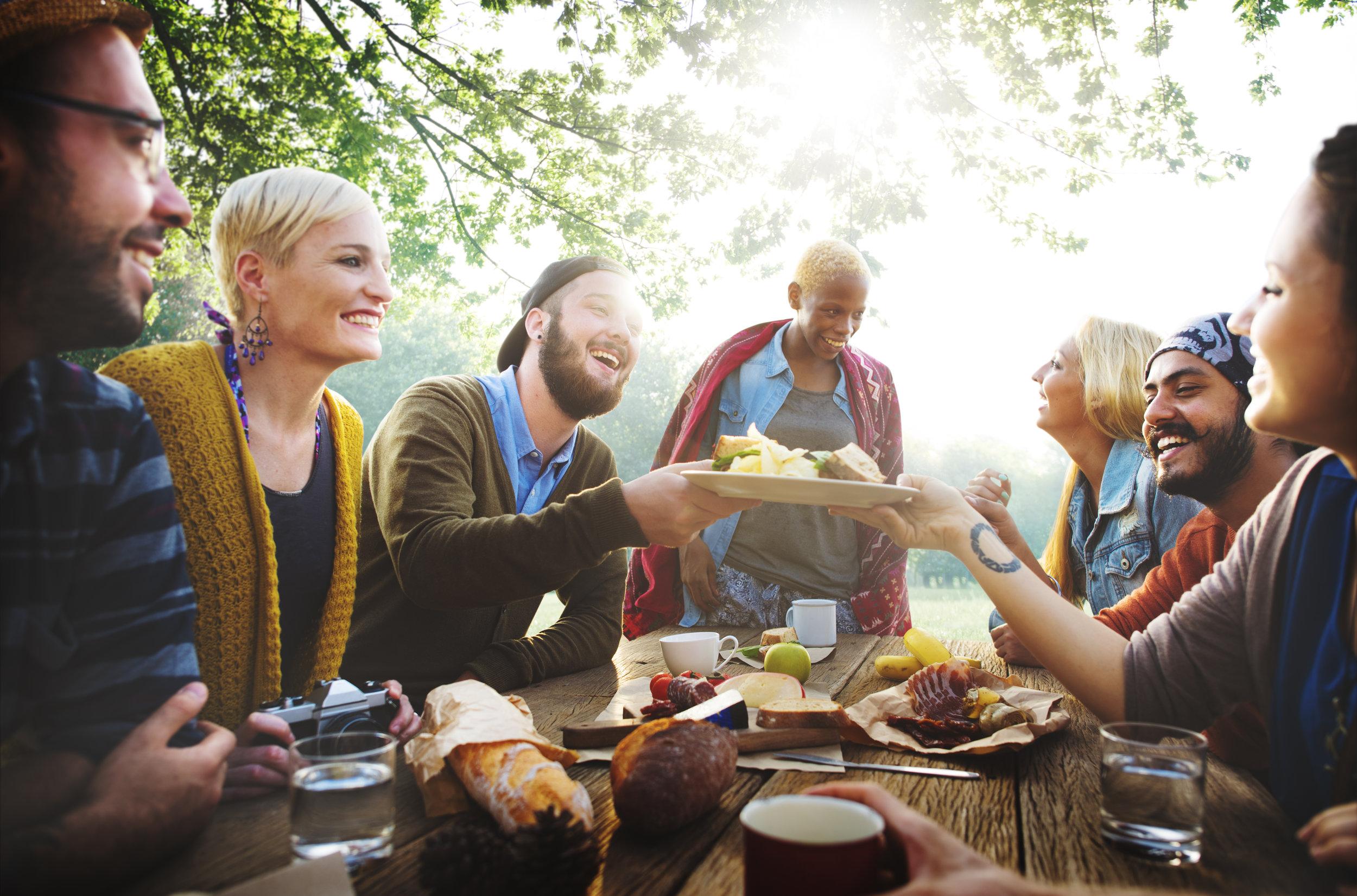 friendsgiving_thanksgiving