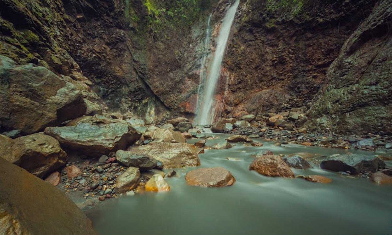 Tesoro Escondido Waterfall in Bajos del Toro, Costa Rica.