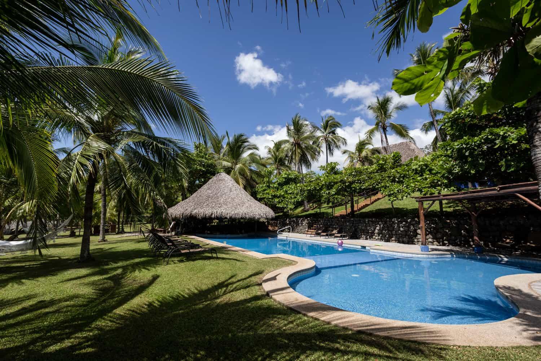Los-Cocos-Beach-Bar-Hotel-Punta-Islita-1.jpg