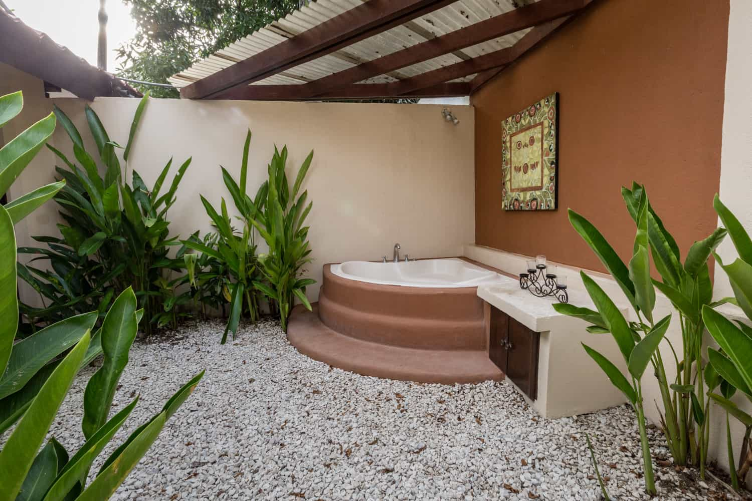 Outdoor hot tub at honeymoon suite on the beach in Guanacaste.