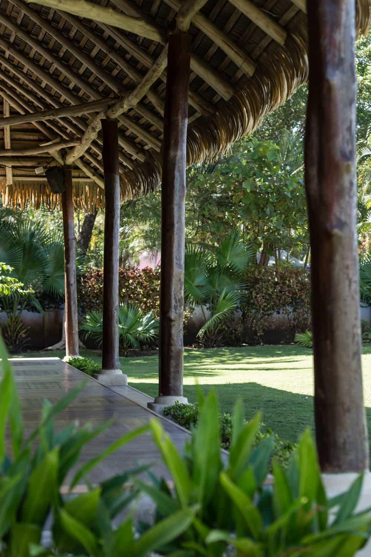 Wood columns at Bahia del Sol's wedding day pavilion.