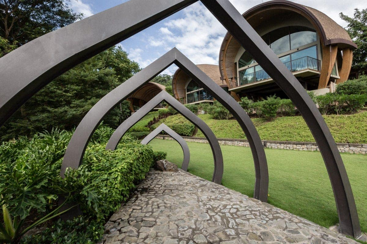 Andaz Resort garden wedding venue with modern sculpture.