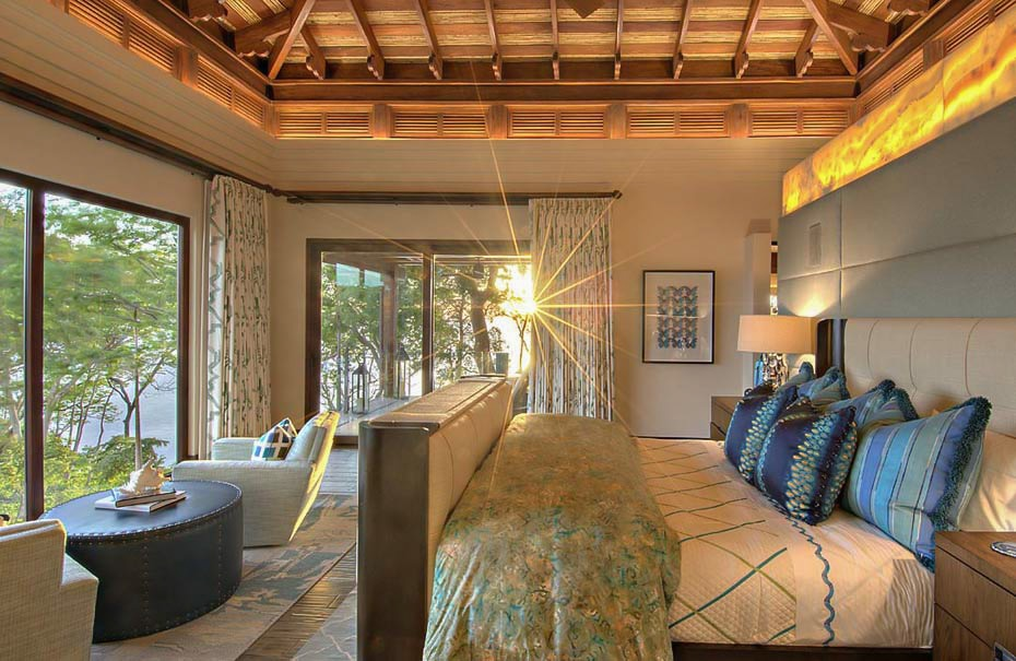 luxury-master-suite-ocean-views-villa-manzu.jpg
