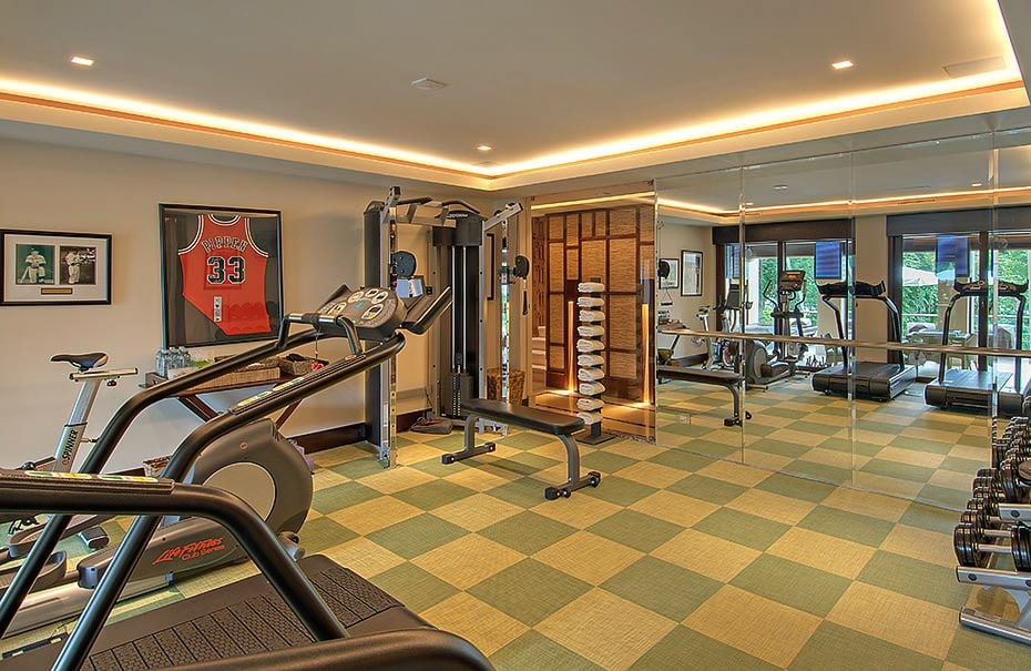 Stay in shape beofre and after your wedding in Villa Manzu's complete onsite gym.