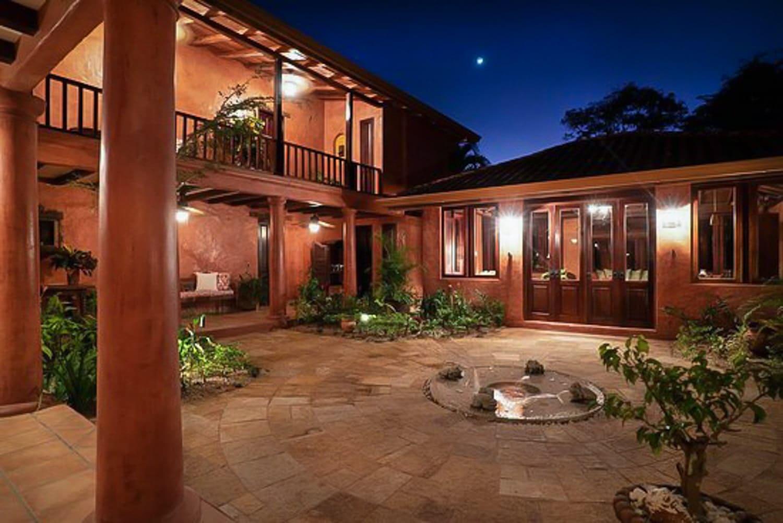 Courtyard at Hacienda Barrigona for wedding ceremonies and receptions.