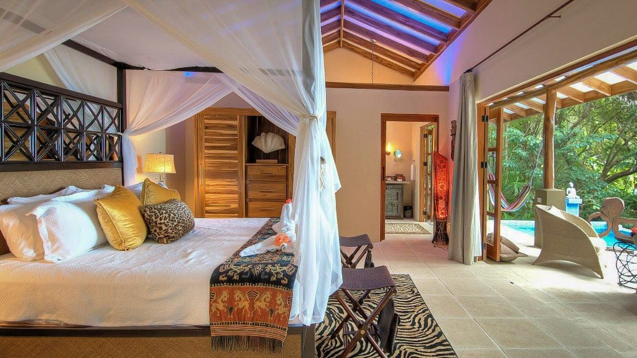 Gorgeous suite for newlyweds with private pool at Casa Chameleon Mal Pais.