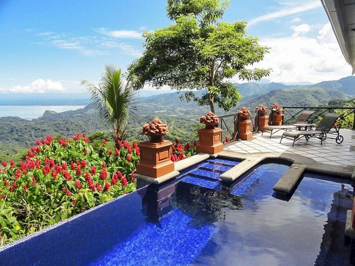 honeymon-suite-villa-caletas-costa-rica-3.jpg