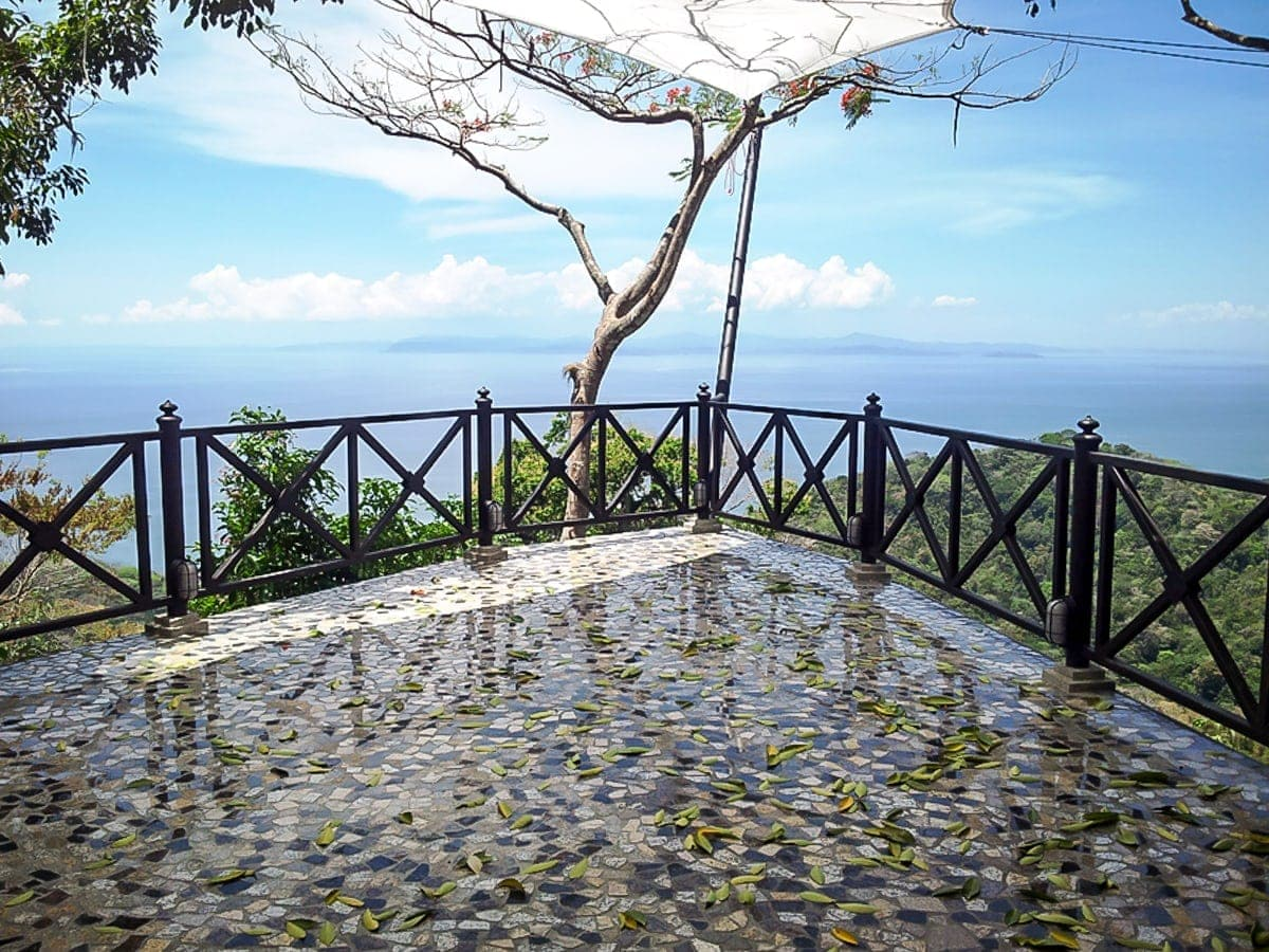 Vela Terrace at Villa Caletas is a wonderful location for an intimate wedding.