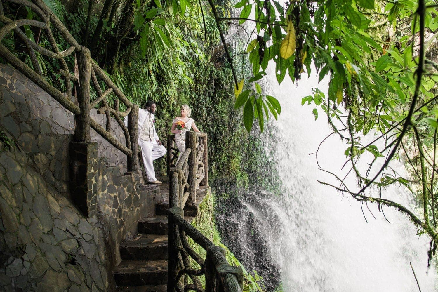 Janet-Thad-wedding-photos-La-Paz-Waterfall-Gardens-Costa-Rica-2.jpg