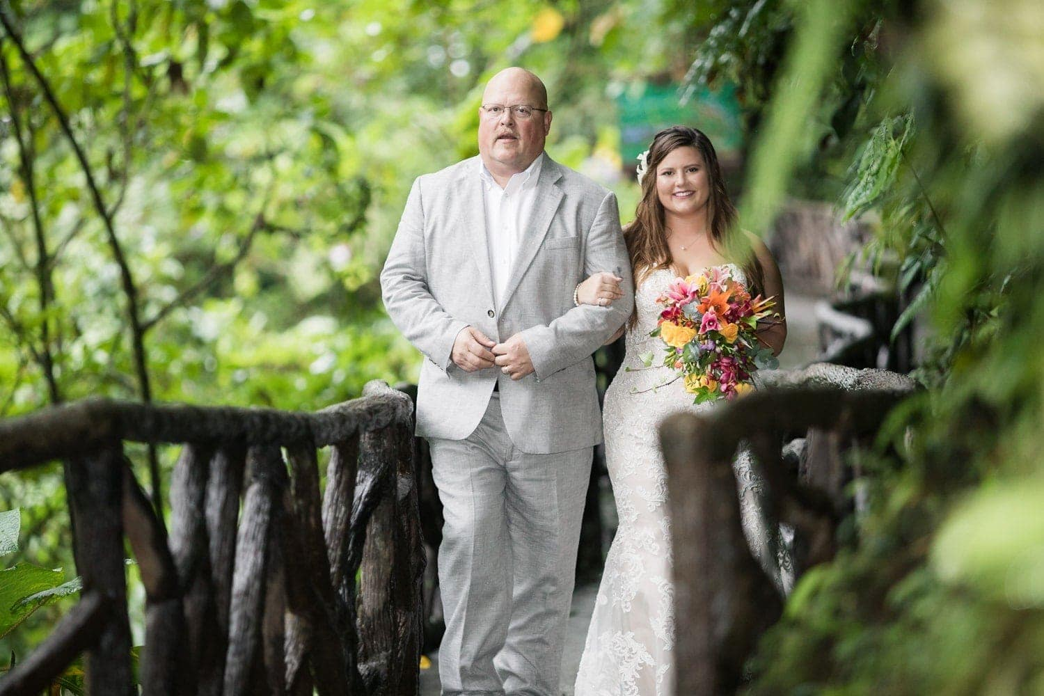 Julianne-Michael-wedding-ceremony-La-Paz-Waterfall-Gardens-Costa-Rica-6.jpg