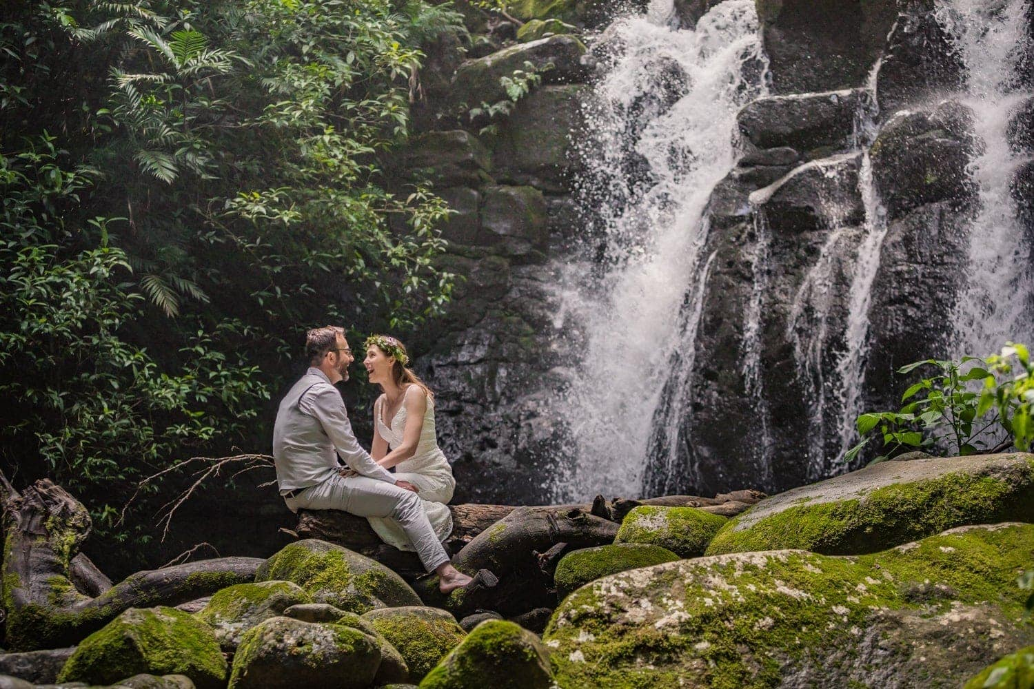 Kassie-Logan-waterfall-wedding-Costa-Rica-4.jpg