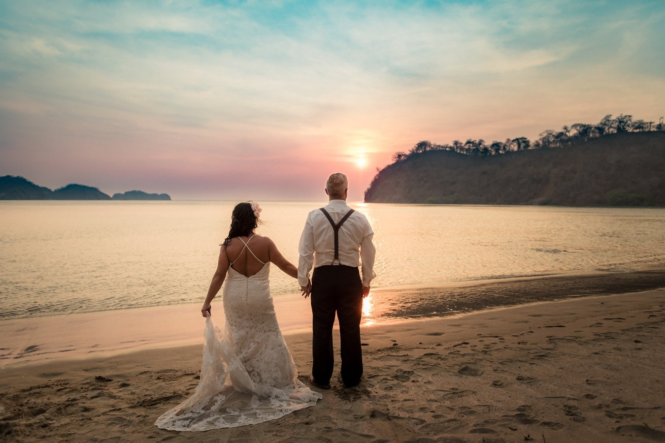 Bobbi-Henri-beach-weddng-portraits-Dreams-Las-Mareas-Resort-Costa-Rica-1.jpg