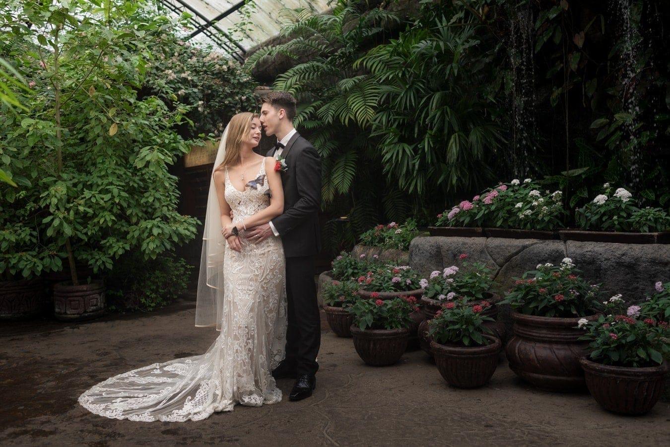 Sierra-Thomas-bride-groom-photos-La-Paz-Waterfall-Gardens-8.jpg