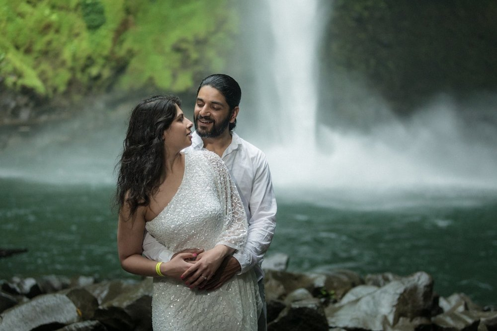 Gallery of engagement photos we have taken in Costa Rica.