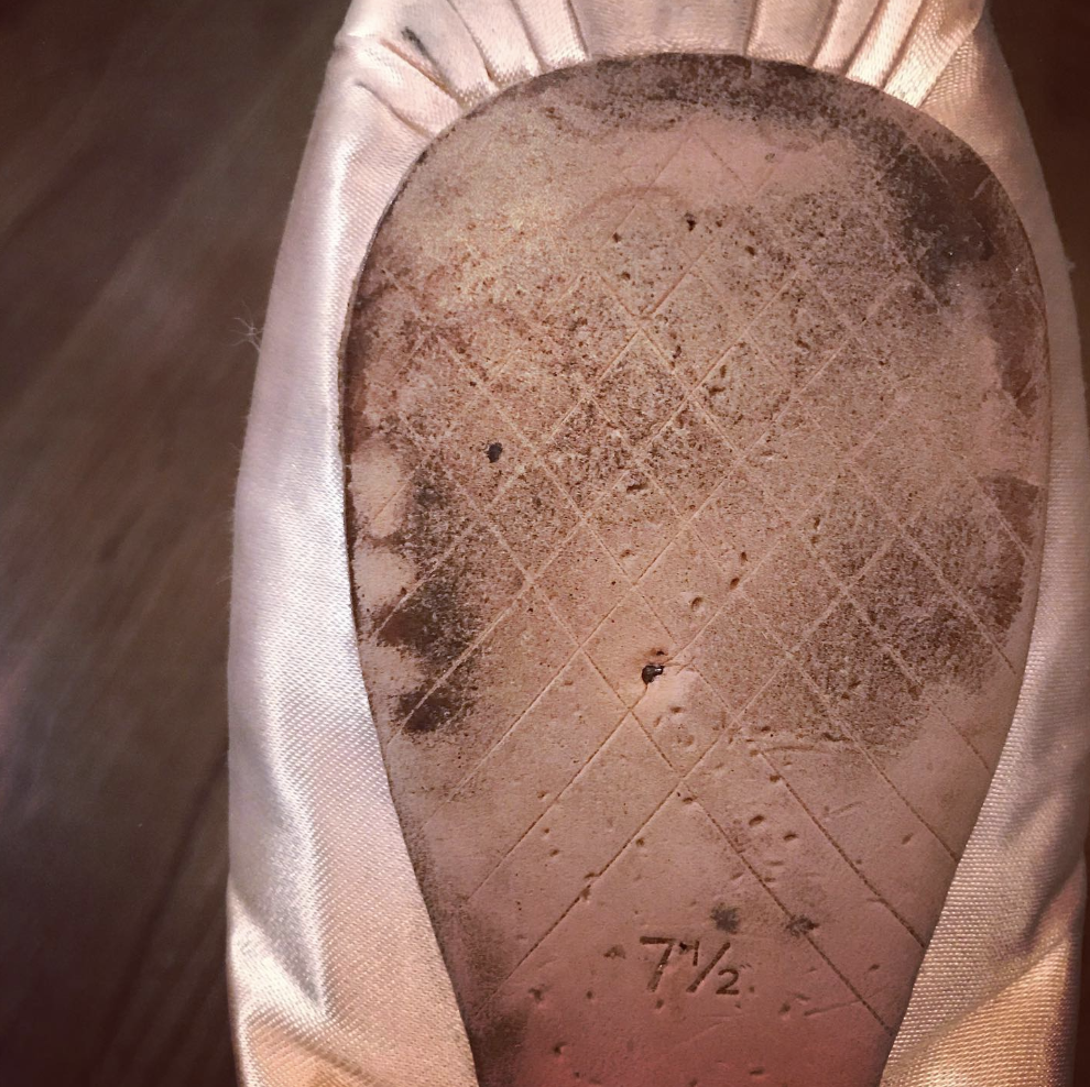 Pointe-shoe-sewing-tips-hacks.png