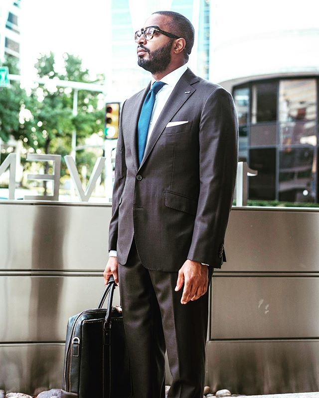Mondays... . . #suitsupply #suits #suit #suitandtie #mensfashion #mensstyle #styleforum #drakes #drakesoflondon #brooksbrothers #sprezzatura #gentlemansgazette #gentlemansstyle