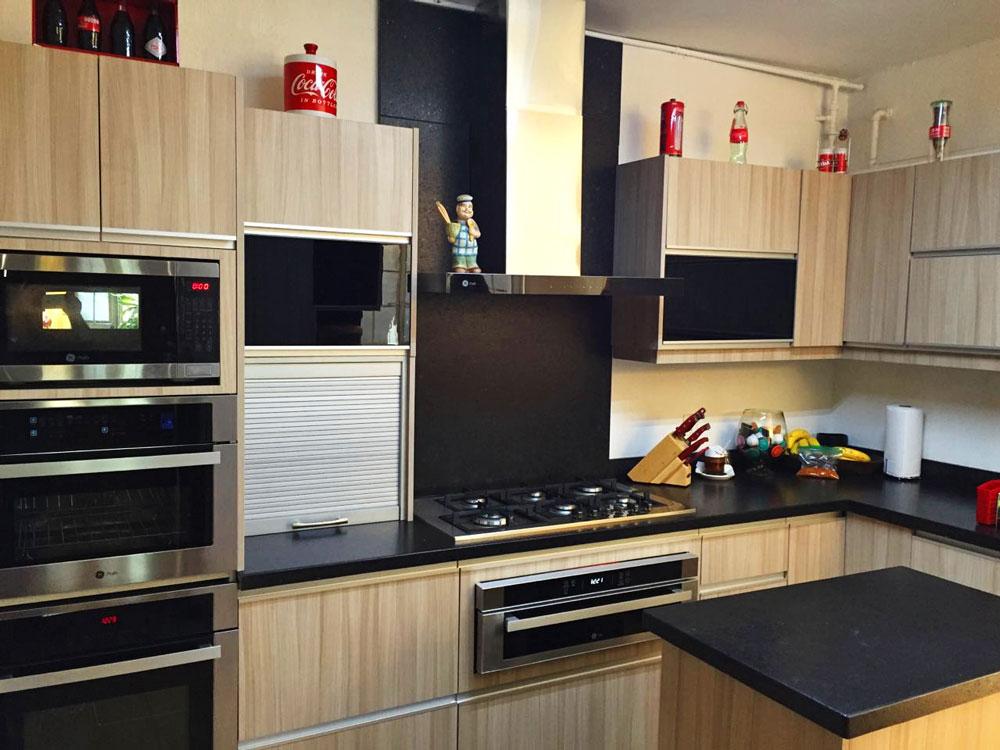 Cocina Integral Moderna Beige y Negro.jpg