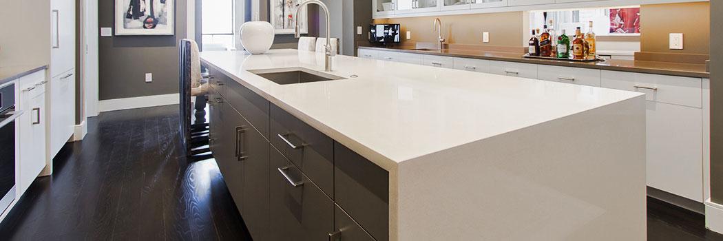 Cuarzo Blanco:  No se Mancha, Fabricación  Durable, No Resiste Altas Temperaturas.