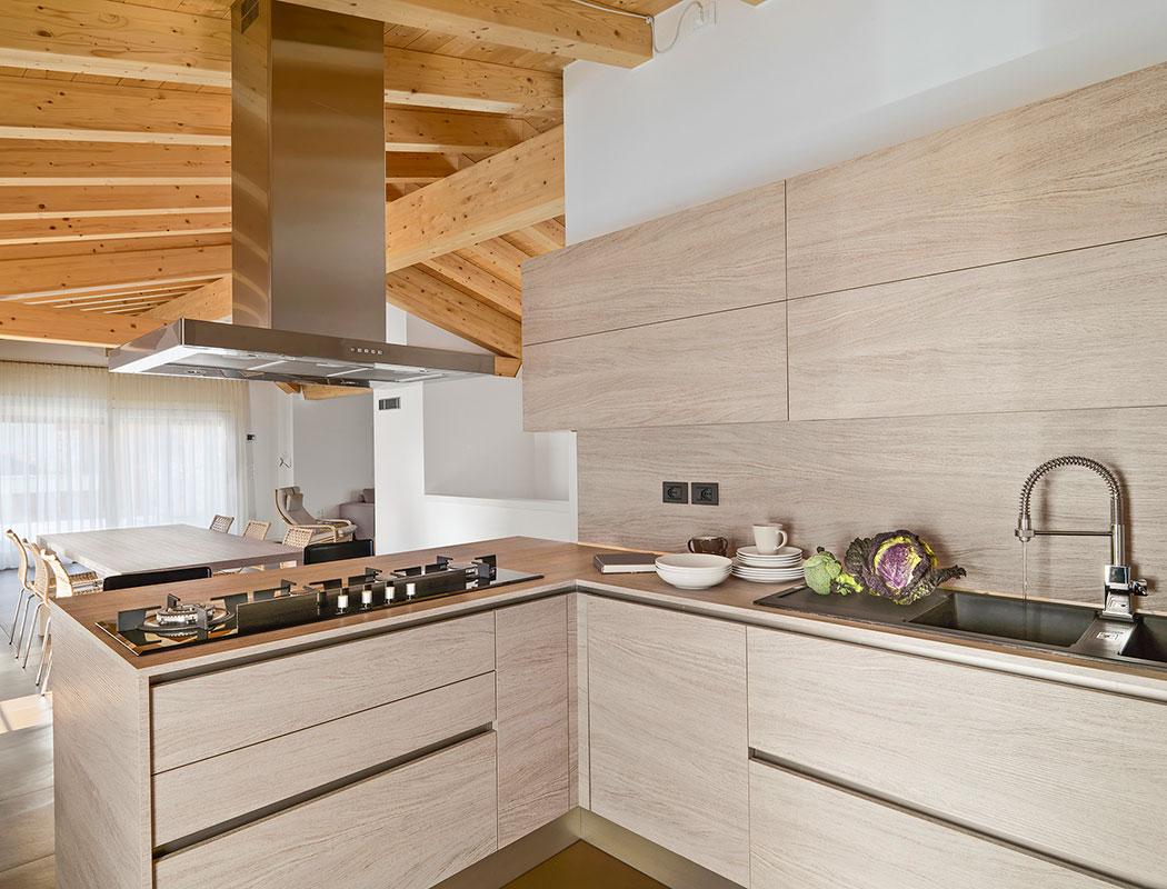 Kitchen Depot, Cocina Integral de Melamina Diseño en Escuadra.