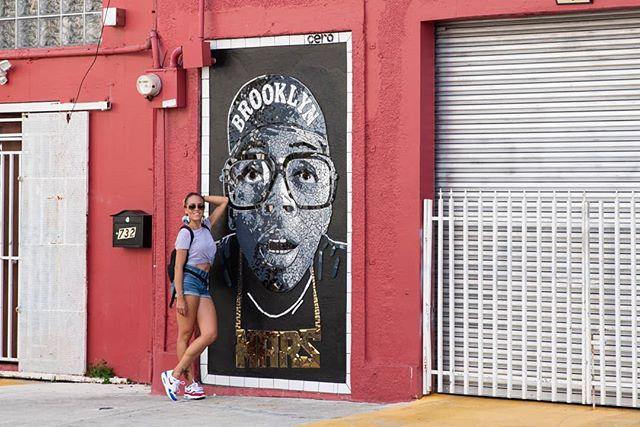 Running into Mars. 🇵🇷👟💛 #puertorico #sanjuan #mars #shesgottahaveit #brooklyn #mosaic #streetartlovers #mosaicmural #sanjuanpuertorico #santurce @celsoart