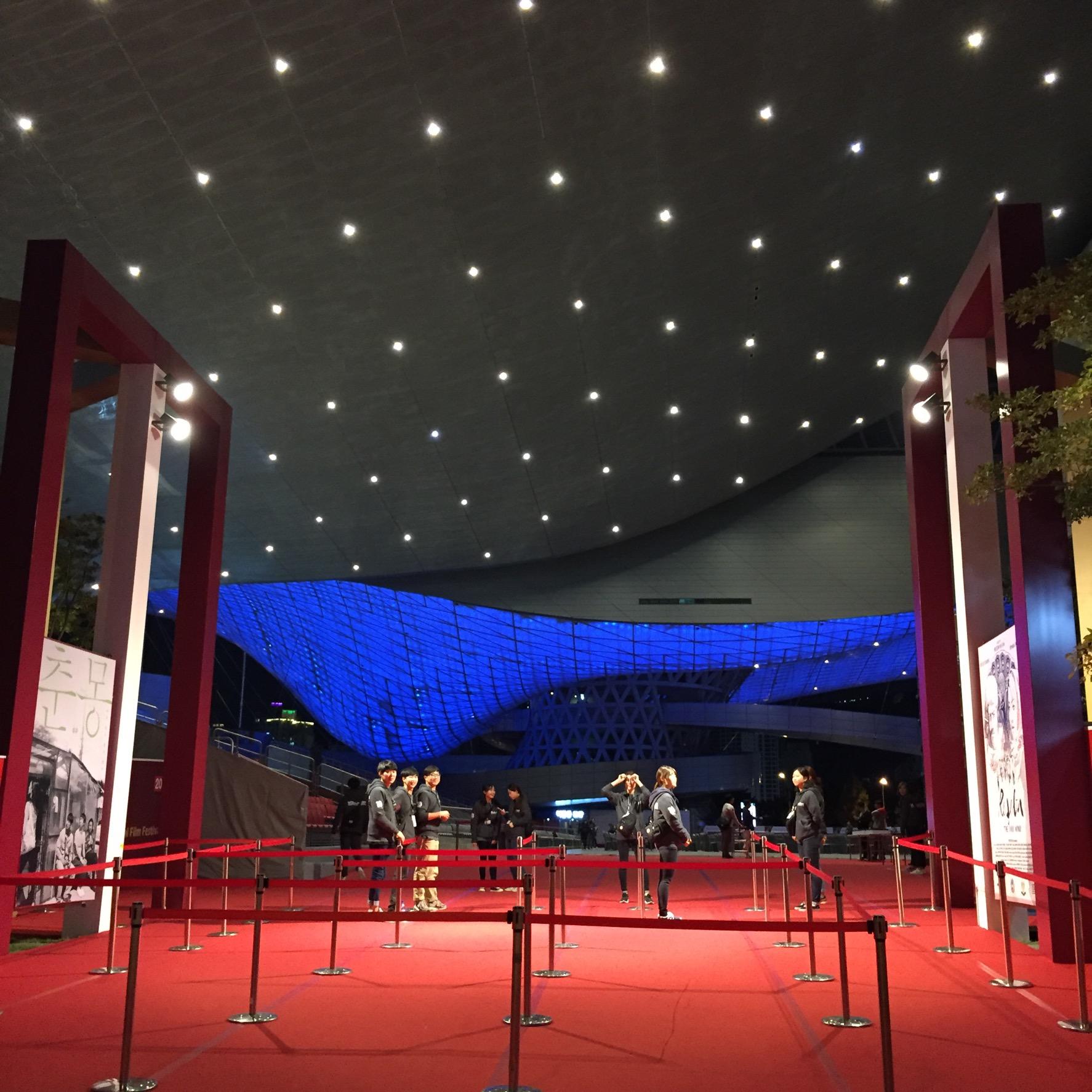 映画祭のメイン会場は雰囲気がありますね