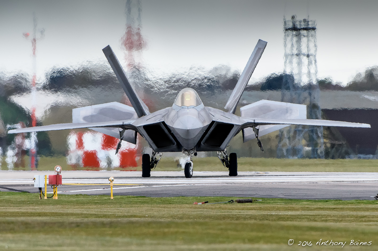 F-22 taxiing in at Lakenheath