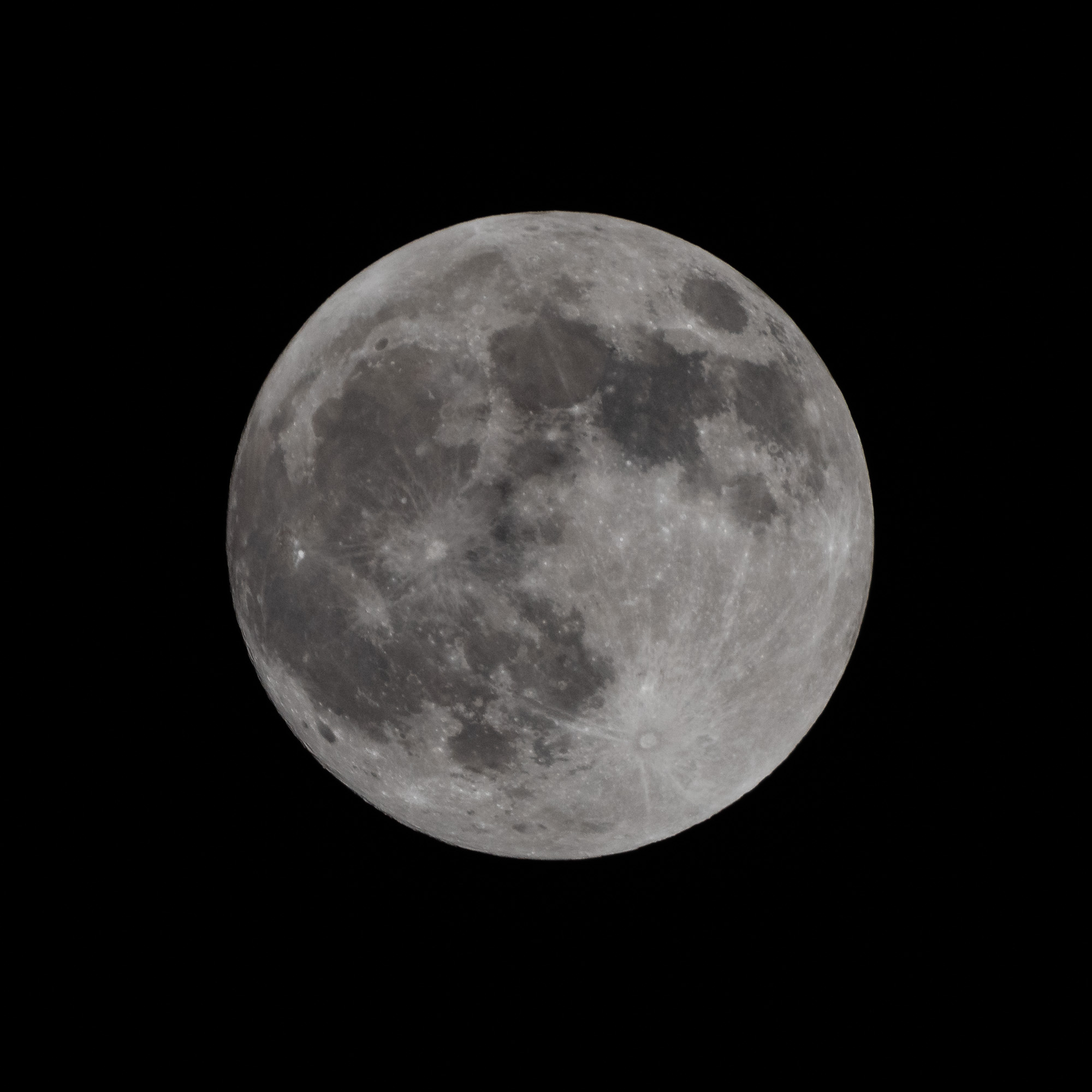 Full moon. Nikon D810, Nikon 200-400mm f/4 at f/16, ISO 400, 1/250 sec, manual focus.