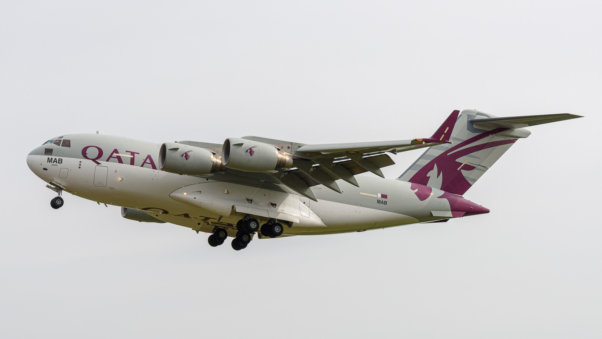 C-17 from Qatar, in the colours of Qatar airways