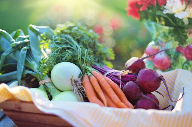 eat healthier with a. plant based diet
