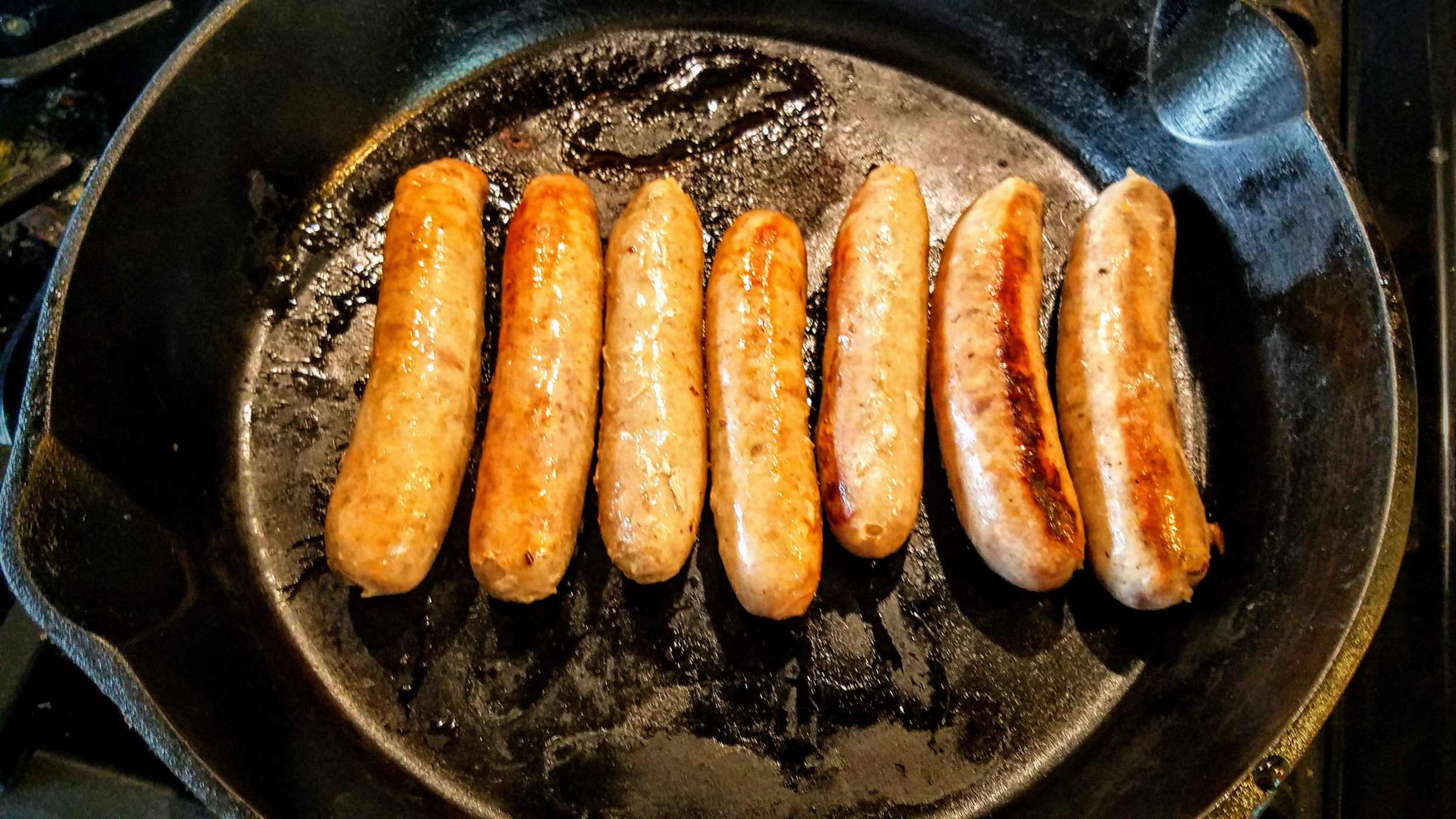 Our mouthwatering maple links are a customer favorite! We love these as a breakfast treat. They're a flavorful not-too-sweet sausage made with real Wisconsin maple syrup.