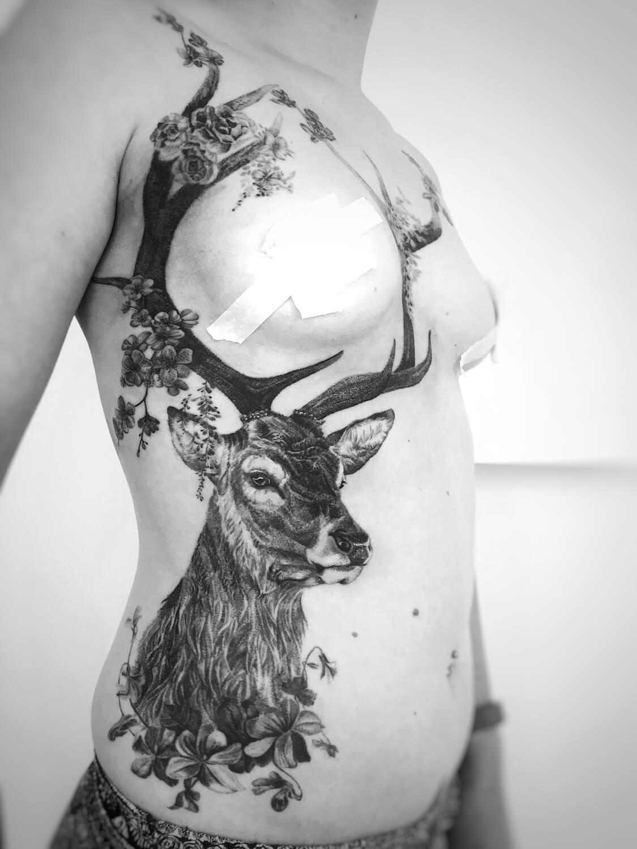 Hirsch Tattoo im Studio Velbert Langenberg