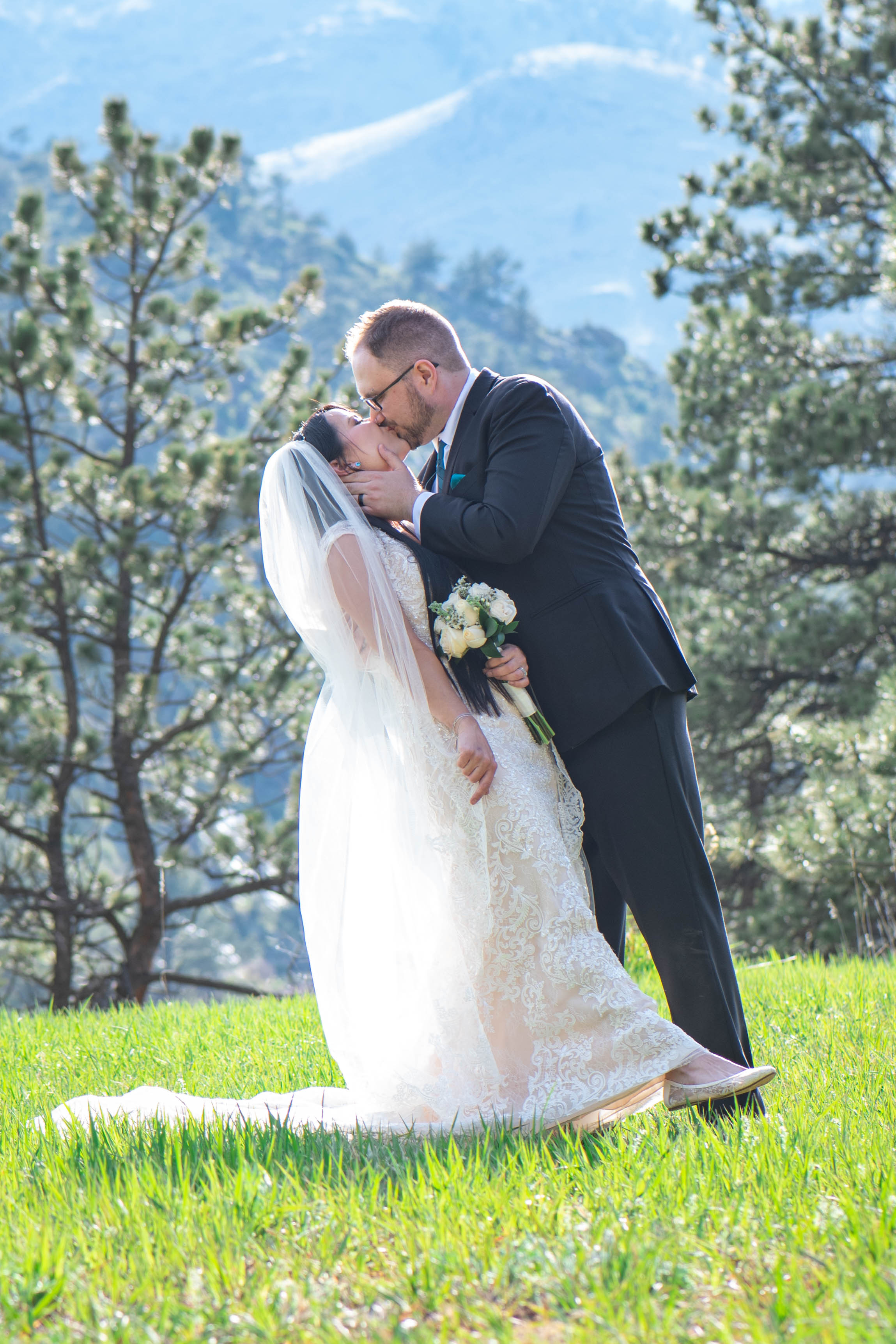 Lyons, CO Stone Mountain Lodge Wedding Kristen Rush Photography