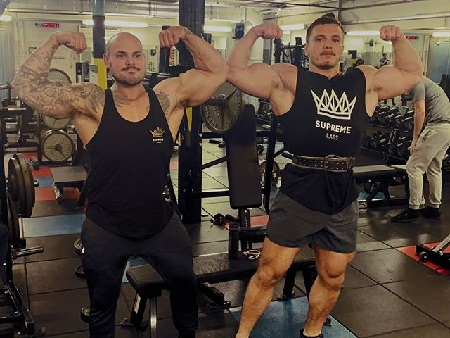 Founder @brunthebeast and bodybuilding athlete and coach @gym_buddha_bez have been training together recently in the run up to Bez's competitions. Do you train with a training partner or solo? let us know in the comments below what your preference is.