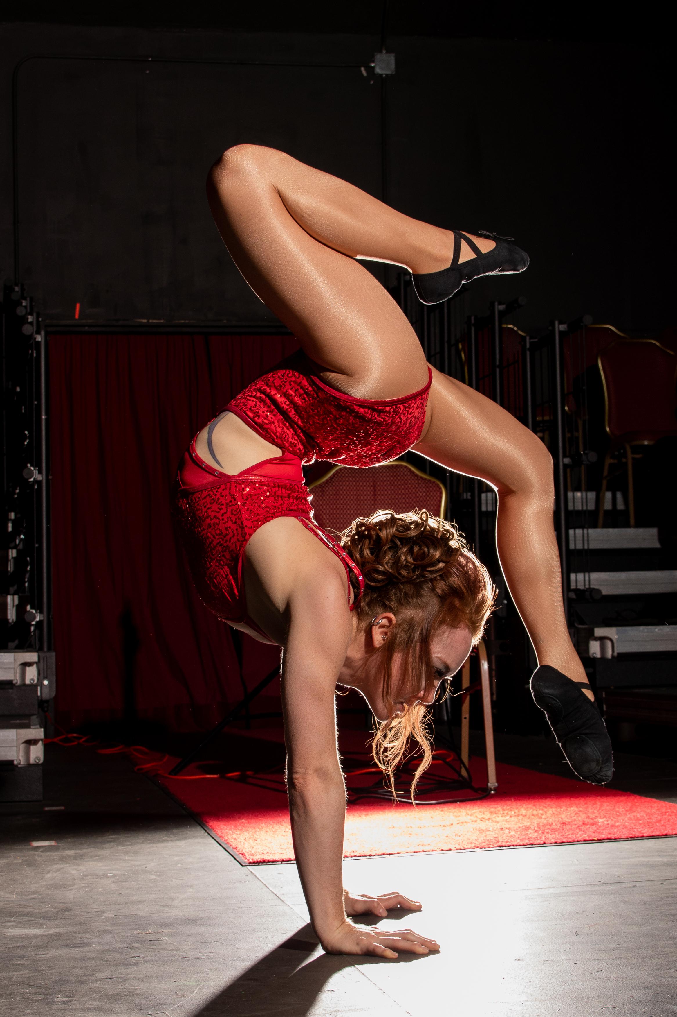 cheryl handstand-1.jpg
