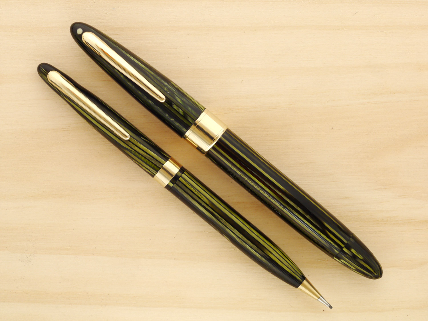 Sheaffer Triumph Valiant Pen and Pencil Set in Striated Marine Green