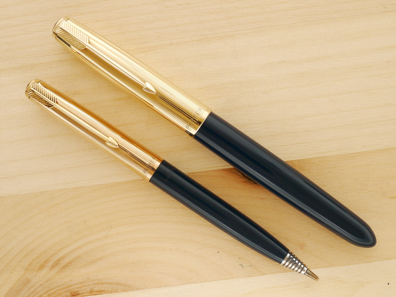 Parker 51 Aerometric Pen and Pencil Set, Midnight Blue, F, capped, with the pencil