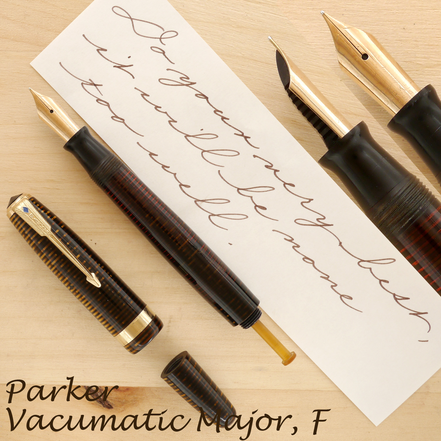 Parker Vacumatic Major, Golden Pearl, F, uncapped, with the plunger showing