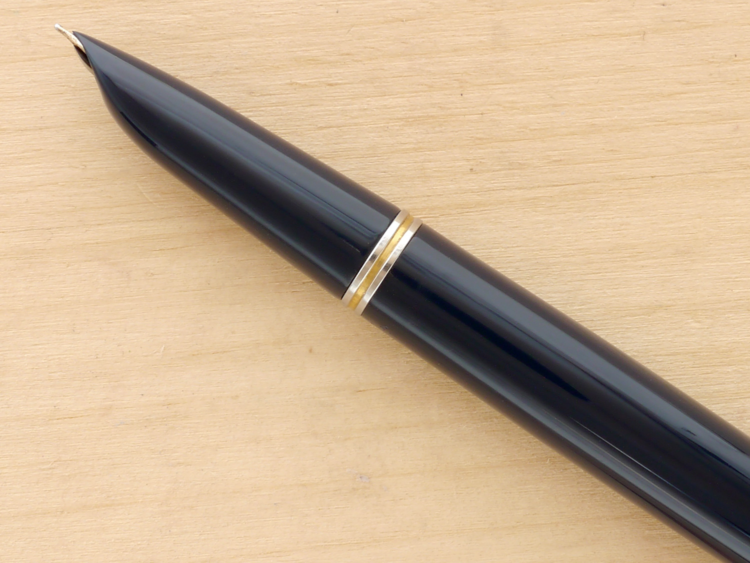 Parker 51 Vacumatic Fountain Pen, Blue Cedar, Gold-Filled Cap, F, nib profile