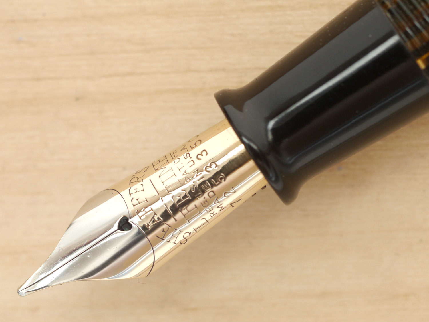 Sheaffer Balance Vac Full-Size Fountain Pen, Golden Brown, M, nib close-up