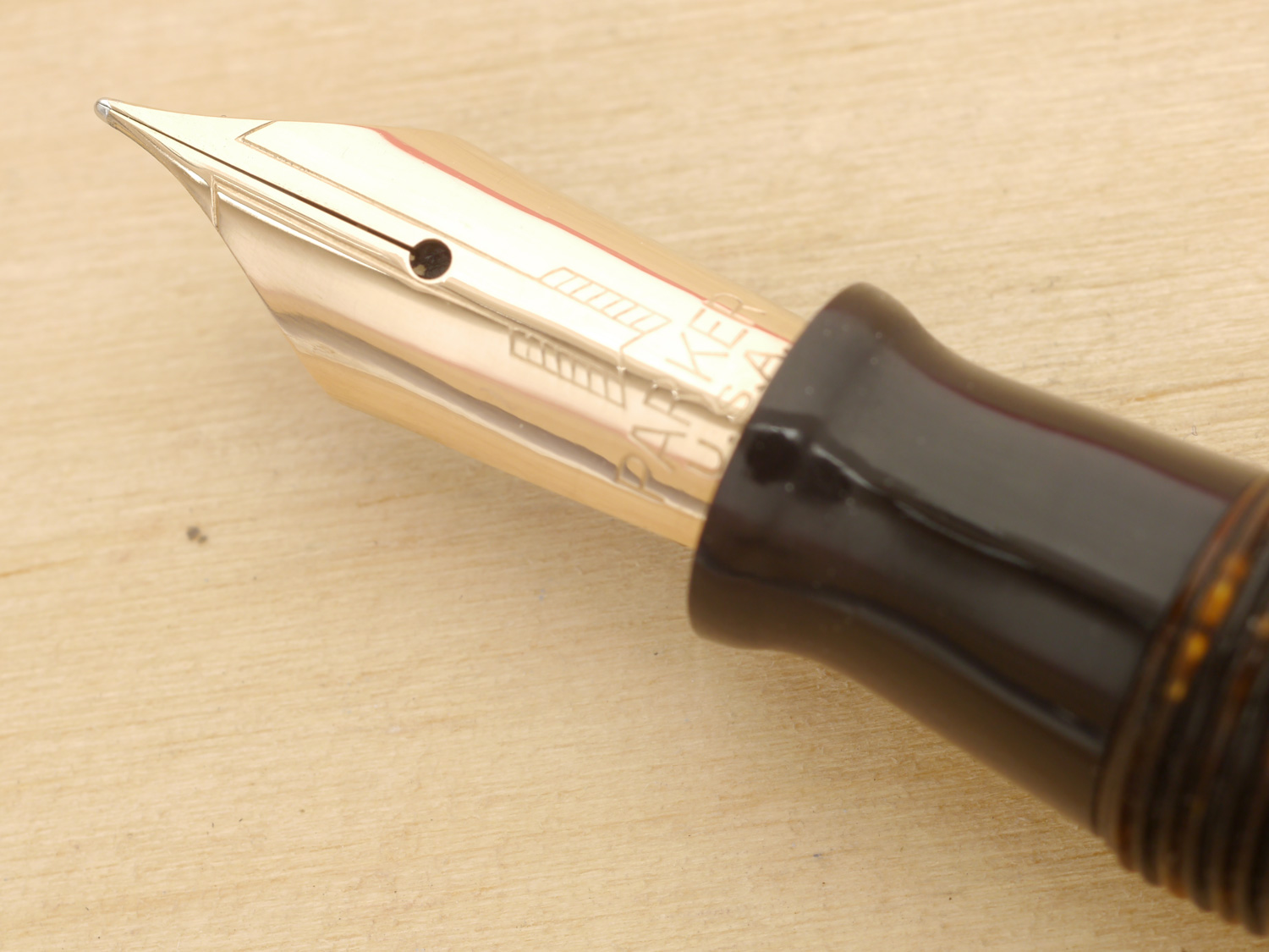Parker Vacumatic Major Fountain Pen, Golden Pearl, XF, nib close-up