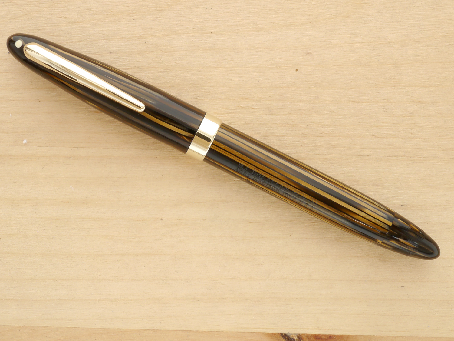 Sheaffer Triumph Statesman Fountain Pen, Golden Brown, XXF, capped